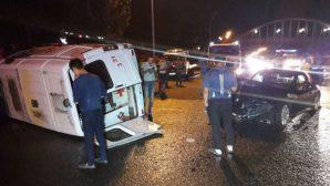 Машина скорой помощи перевернулась в результате ДТП в Алматы