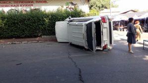 Subaru столкнулся с внедорожником Toyota в Алматы: три человека пострадали
