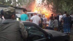 Хозяйственные постройки загорелись в Алматы