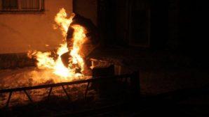 В Аркалыке пожарный вынес газовый баллон из горящего дома