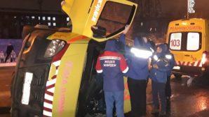 ДТП в Алматы «уложило» набок «скорую», есть пострадавшие