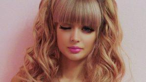 Настоящая кукла без пластики: русская девушка настолько красива, что родители не отпускают ее из дома одну