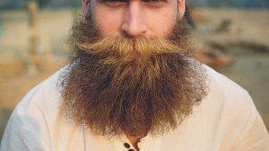 Названы причины опасности ношения бороды и усов зимой