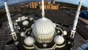 Главный имам столицы призвал воздержаться от намаза в мечетях и ифтара в Рамазан