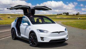 Tesla Model X можно взломать за 90 секунд